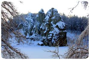 Felswand Schnee