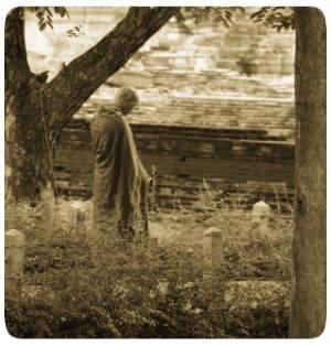 Mönch wartend