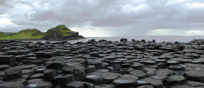 irland steine kueste 700