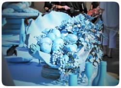 Tisch blau