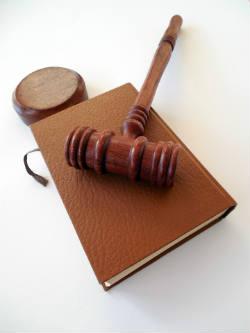 Gerichtsutensilien